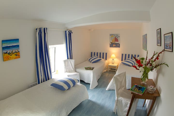 chambres au village - Monsireigne - Bed & Breakfast