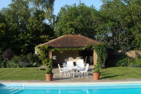 Cosy, comfortable b&b in unspoilt rural area - East Sussex - Bed & Breakfast - 2