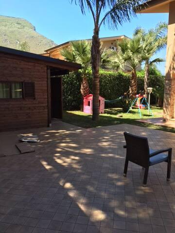 A casa di Andrea - Carini - Penzion (B&B)