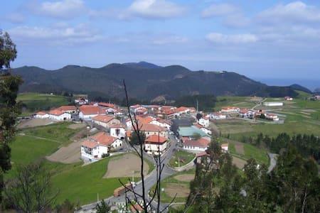 Casa rural Altuena costa vasca BilbaoSan Sebastian - Amoroto - Hus