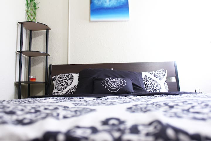 Quaint Studio in the Heart of Downtown Seattle!