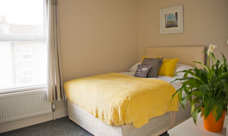 Private Suite in Modern Aparthotel in Worthing