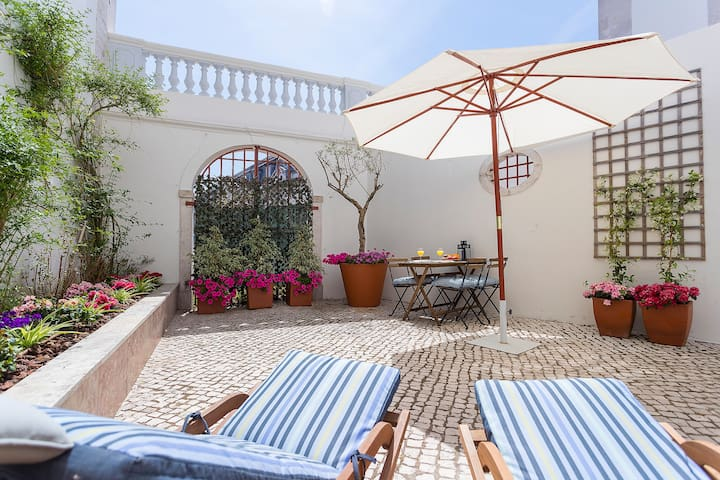 Boutique Studio Sunny Garden Lisbon Private Condo