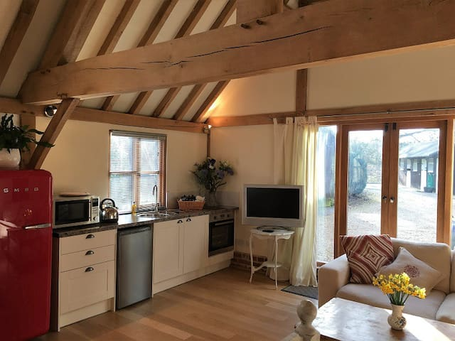 Pretty barn conversion holiday rental, New Forest - Rockbourne - Huis