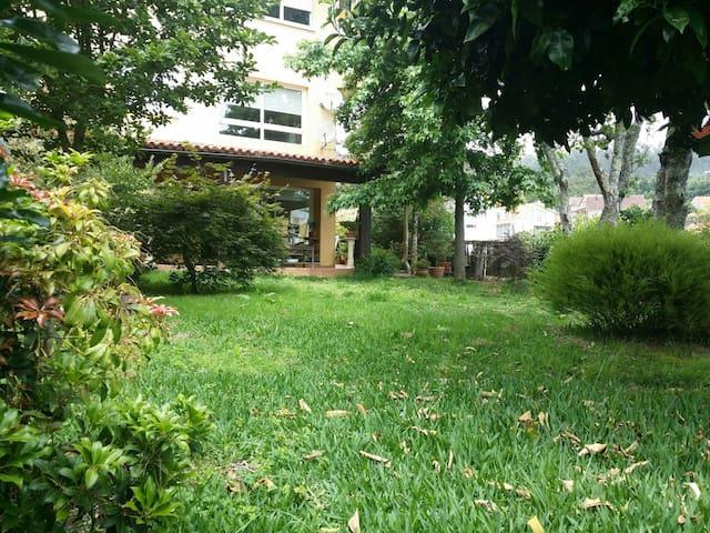 Casa con jardín y vistas al mar - Moaña - Özel oda