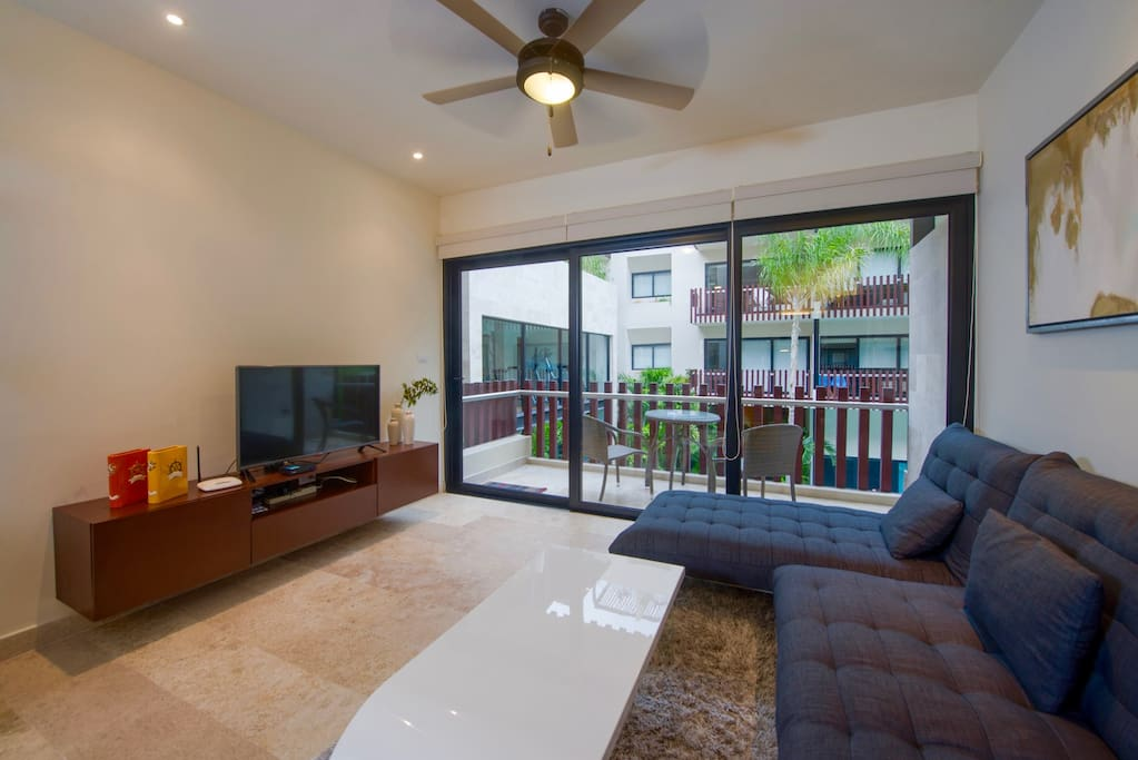 Cozy and beautiful 1 bedroom condo in the heart of Playa del Carmen!