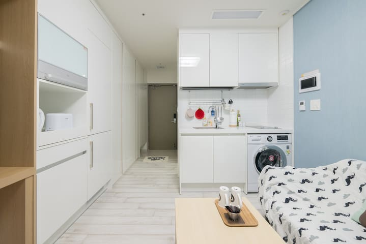 ** A Cozy Private Studio for Friends or Couples ** - Seoul - Leilighet