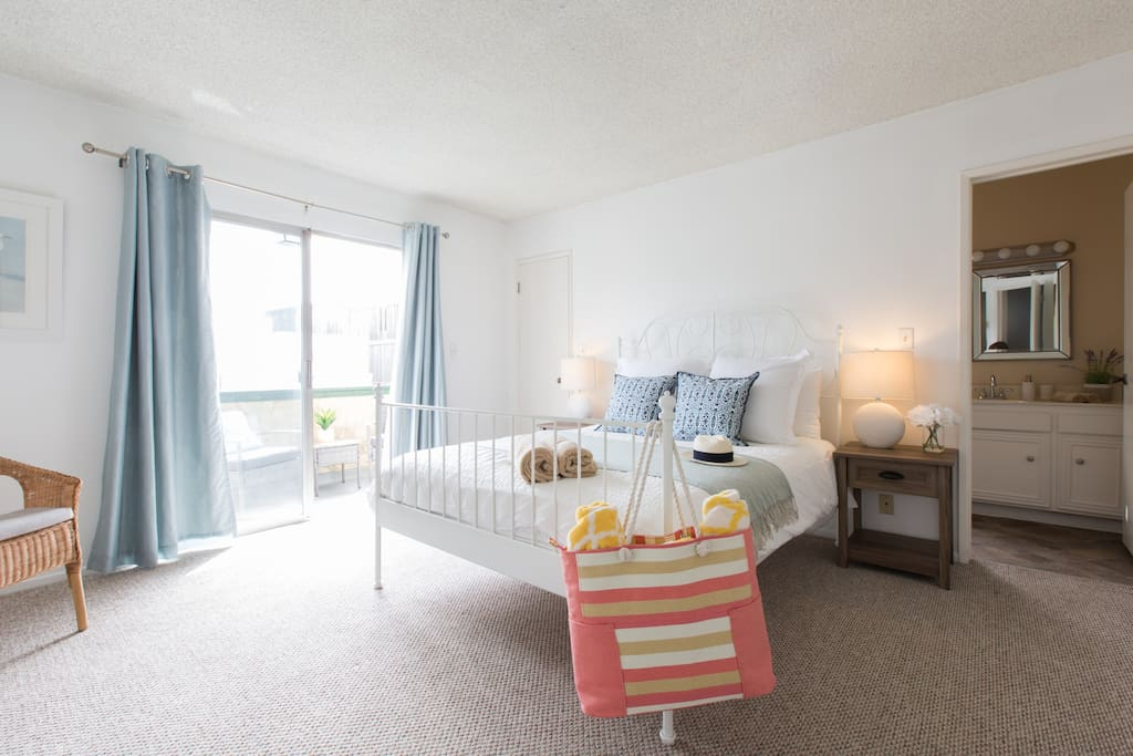 Monthly furnished 2 bed beach rental playadelrey for Month to month rental los angeles