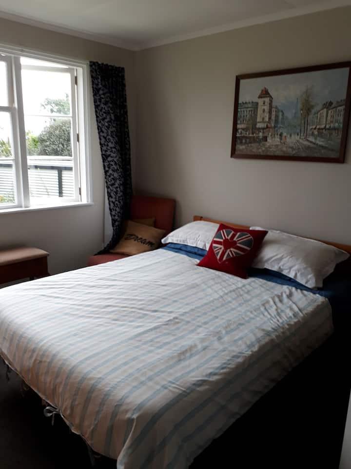 Quiet, Sunny, Central Rotorua Room