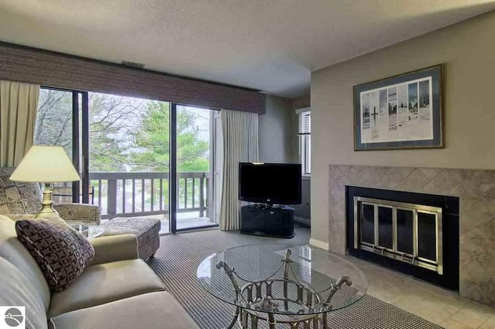 Grand Traverse Resort Area Condo - KING BED!!!