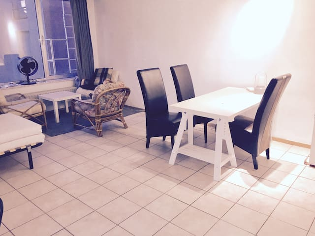 One bedroom apartmentper infromt central station