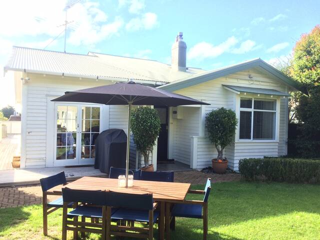 Sunny family home and private garden in Ellerslie - Auckland - Talo