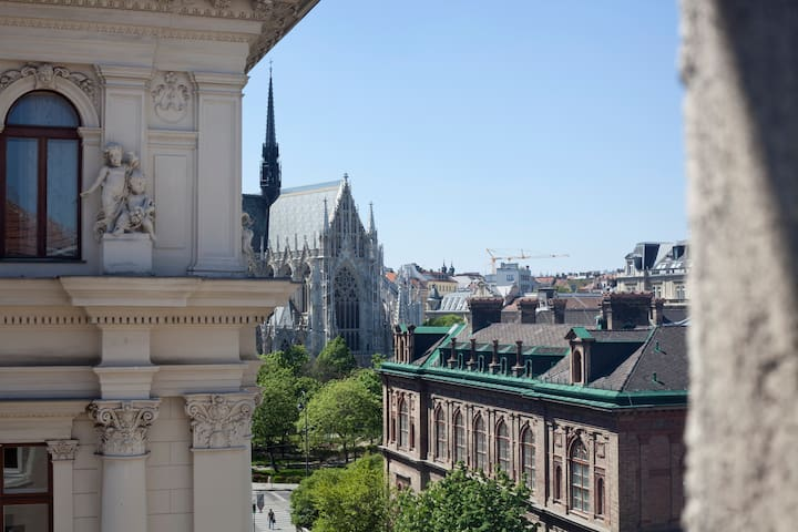 100m²Apartment Cathedral View - Vienna City Center