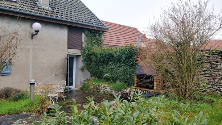 House with 2 bedrooms in Échalot, with enclosed garden and WiFi