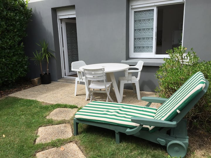 Grand studio sur jardin terrasse sud