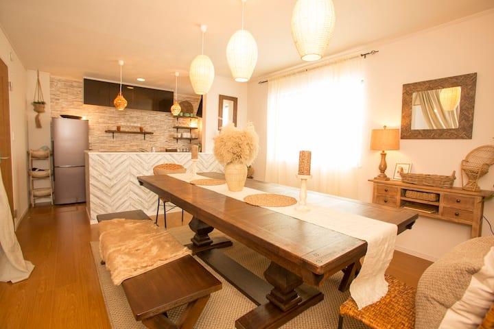 ライカムまで10分!!大人女子にオススメ★フォトジェニックなアンティーク家具に囲まれて最高の夜を。。