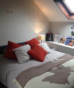 2 belles chambres 50€ pour 2 , 100 € à partir de 3 - Bourron-Marlotte