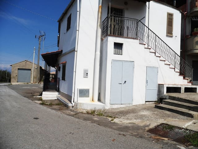 Appartamento vista mare - Daffinà - House