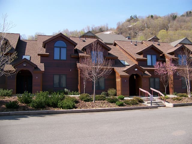 Prime location, fun and comfort at Hunter Mountain