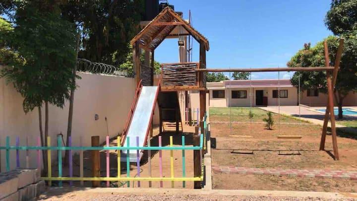 Casa da Elena_Swimming Pool & playground