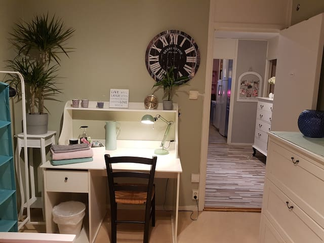 ROOM IN STOCKHOLM NEAR LAKE AND THE CITY!