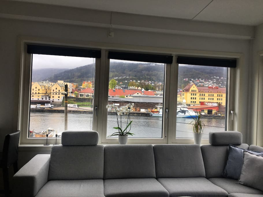 The apartment has a beautiful sea-view, and you can also see the most famous mountains of Bergen