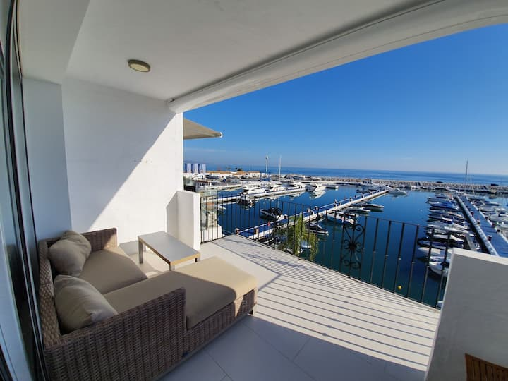 Puerto Banus Palm Penthouse Apartment by Pria