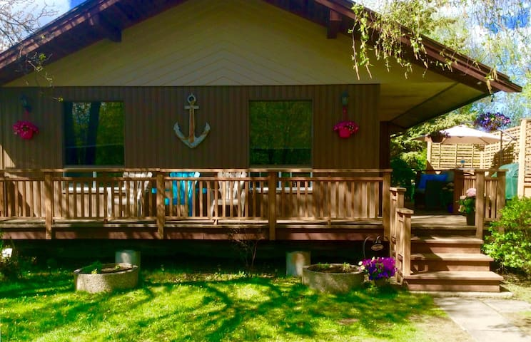 Cabin for Rent in Loni Beach, Gimli