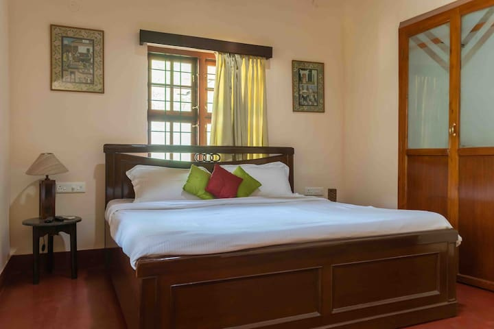 ⭐Private AC Cottage +Huge Lawn+Breakfast at Coorg⭐