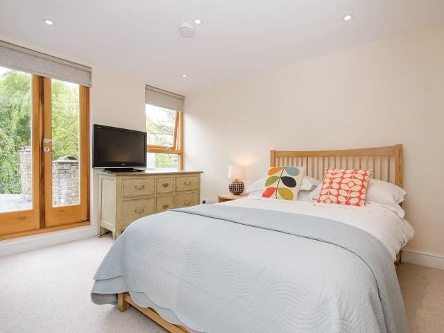 EASTER BREAK? TRY 'THE LOFT' GORGEOUS NORTH LONDON