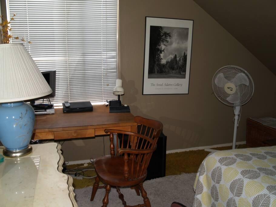 Desk Area Room 2