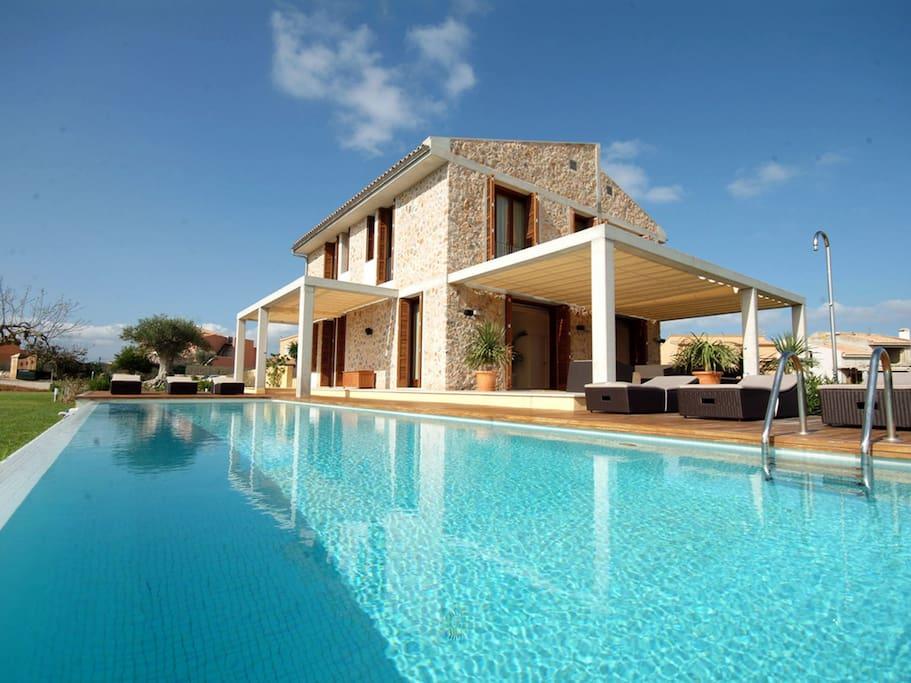 Airbnb Villas For Rent La Cala