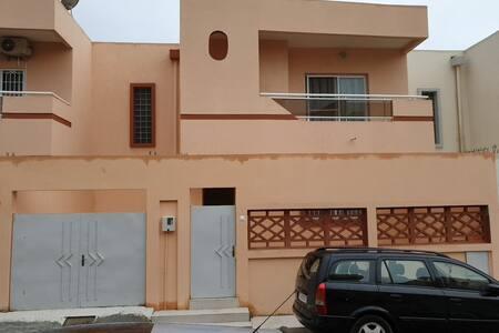 Villa neuve dans un quartier agréable avec confort