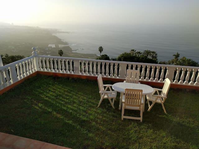 Villa, independent great views, WiFi Satellite TV