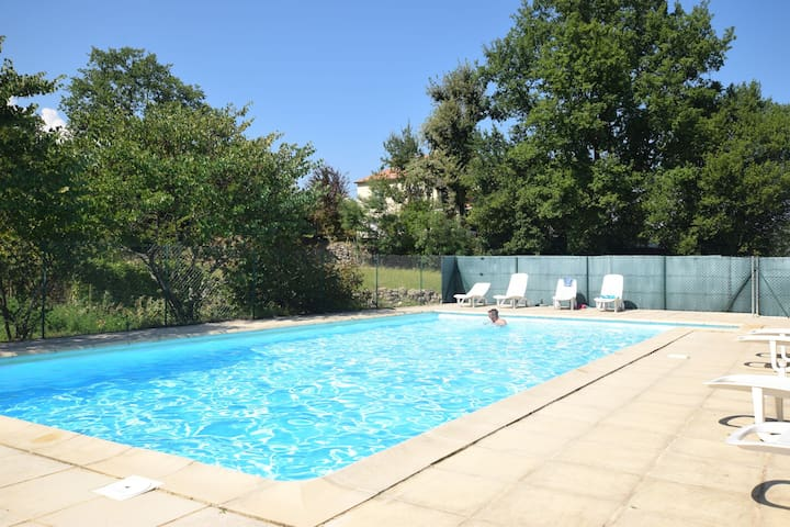 Cosy Holiday Home in Lablachère with Swimming Pool