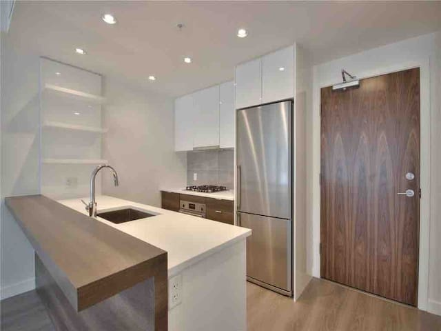 Brand New Downtown Waterfront Condo
