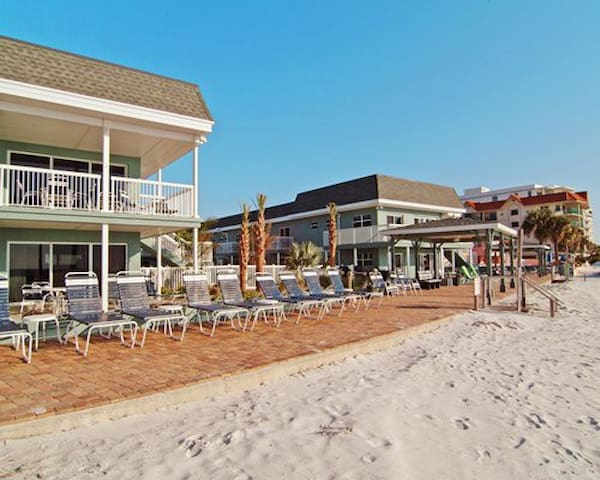 Mariner Beach Club St Pete Beach