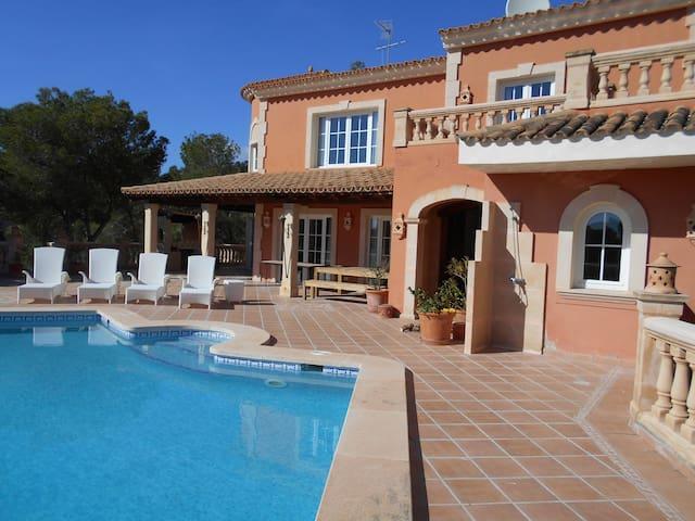 Traditional 5 bed Majorcan Villa with Sea Views - Camp de Mar - Villa