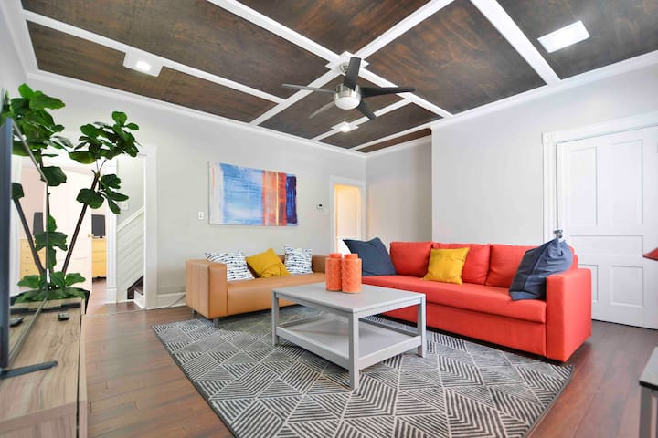 Spacious South Side Home - Minutes From Carson St