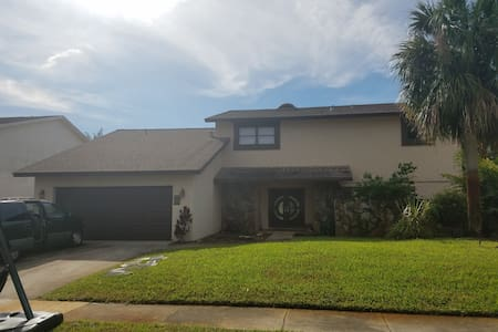 4 bedroom house in Inverrary - Lauderhill