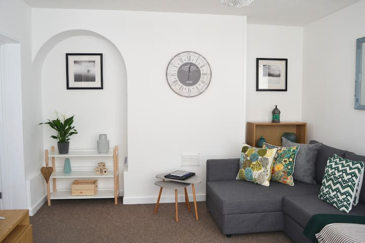 West End Mews - contemporary apartment in the City