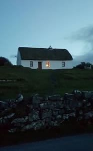 Aran Thatch Cottage - House