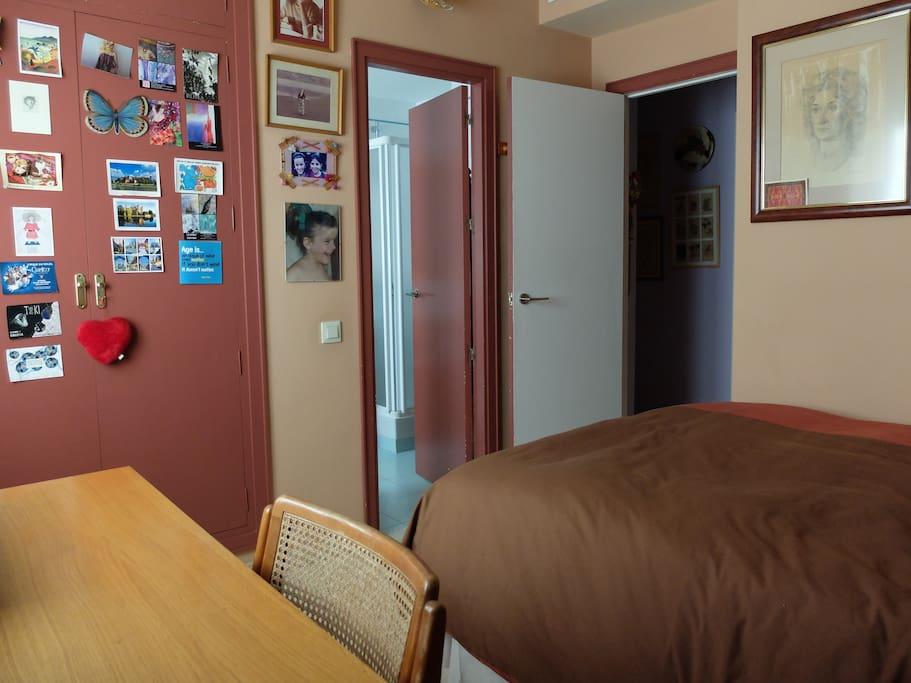 Wardrobe and en-suite bathroom