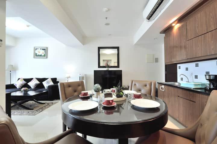 Cozy living 2BR Apartment @Kota kasablanka Mall