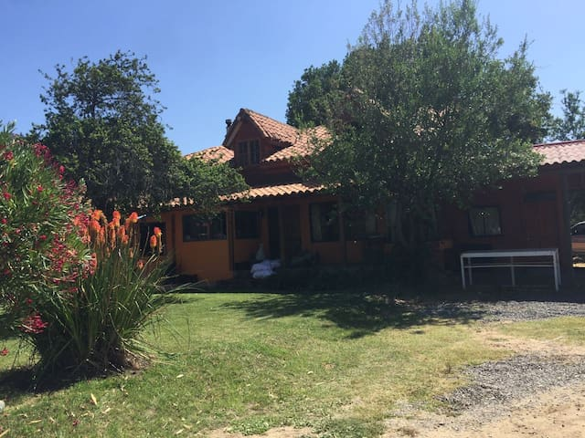 Casa de Campo, con jardines, naturaleza, piscina - Nogales