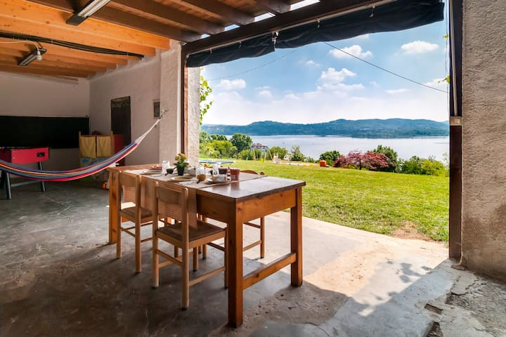 Stunning lake view in farm stay - Camera con vista