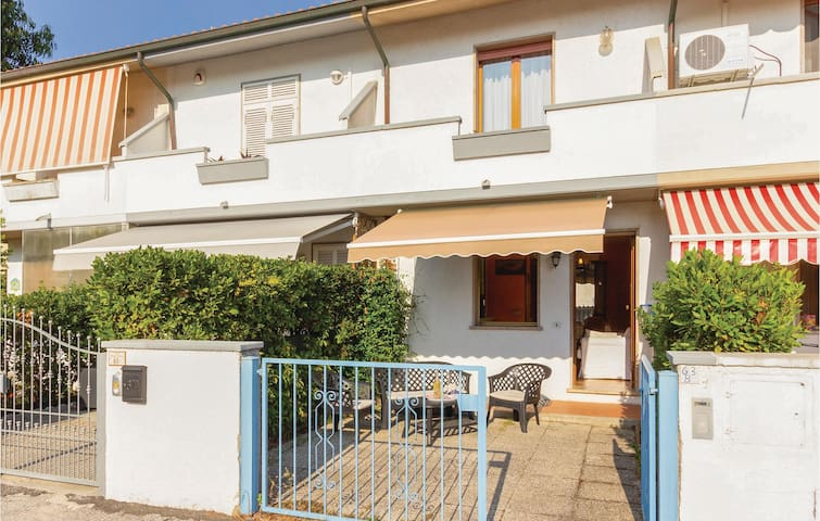 Terraced house with 3 bedrooms on 75m² in Torre del Lago -LU-