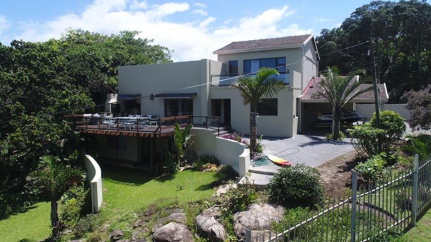 @EAZE - Port Edward - House