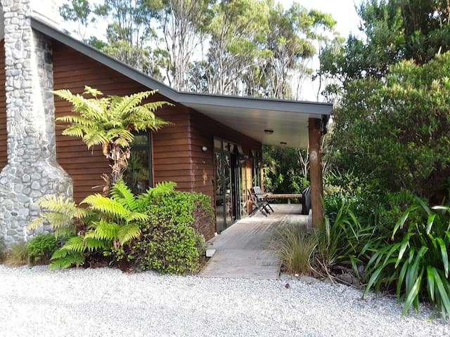 Paparoa Beach Hideaway Two Bedroom Holiday House