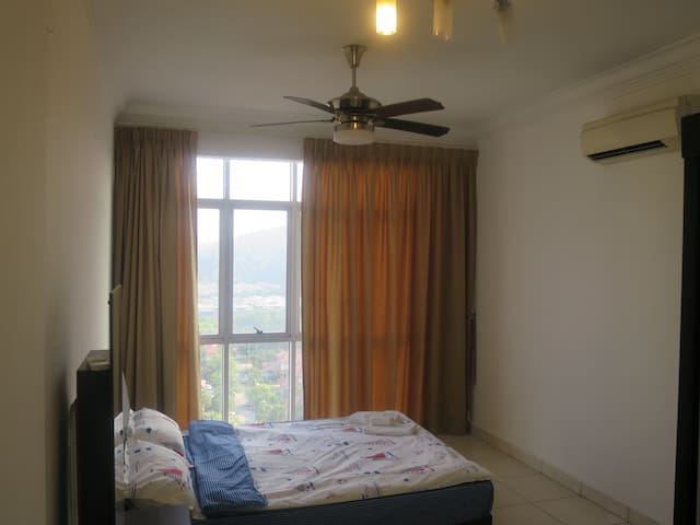 {TT}Welcoming & Cozy Condo Room-1 (Master Room) - Puchong - (ไม่ทราบ)
